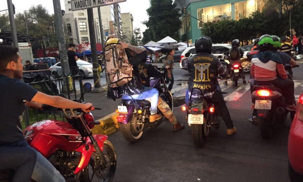 Así se distribuye la ayuda en caravanas de motos