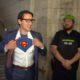 """Justrin Trudeau se """"transforma"""" en Superman"""