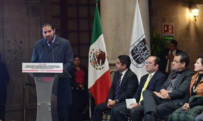 Ricardo Becerra renuncia a unas horas del sismo