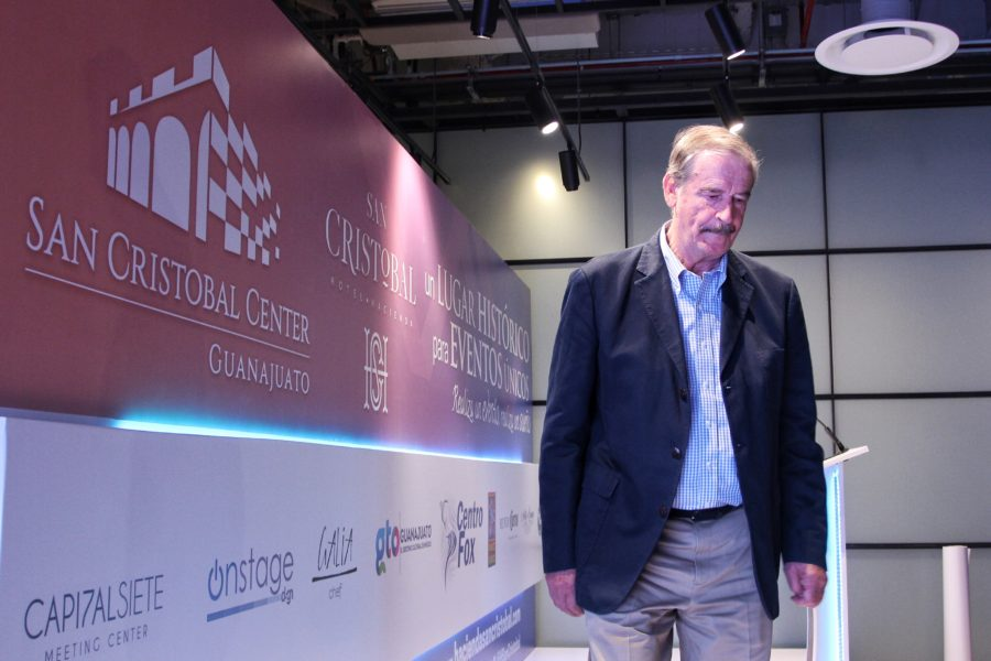 Vicente Fox insulta a AMLO