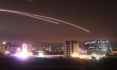 La defensa aérea siria intercepta misiles en el cielo de Damasco (Siria) este jueves a la madrugada. EFE