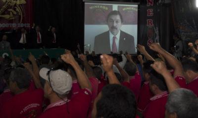 MÉXICO D.F., 01AGOSTO2012.- La imagen de Napoleón Gómez Urrutia, Secretario General del Sindicato Nacional de Mineros vista en una pantalla durante la Sesión Inaugural de la Convención General Extraordinaria del Sindicato Nacional de Mineros. FOTO: GUILLERMO PEREA /CUARTOSCURO.COM