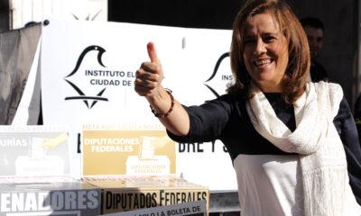 CIUDAD DE MÉXICO, 01JULIO2018.- Margarita Zavala de Calderón, excandidata independiente a la presidencia de la República, acudió esta mañana a realizar su voto en una casilla ubicada en la delegación Álvaro Obregón. FOTO: ADRIANA ALVAREZ /CUARTOSCURO.COM