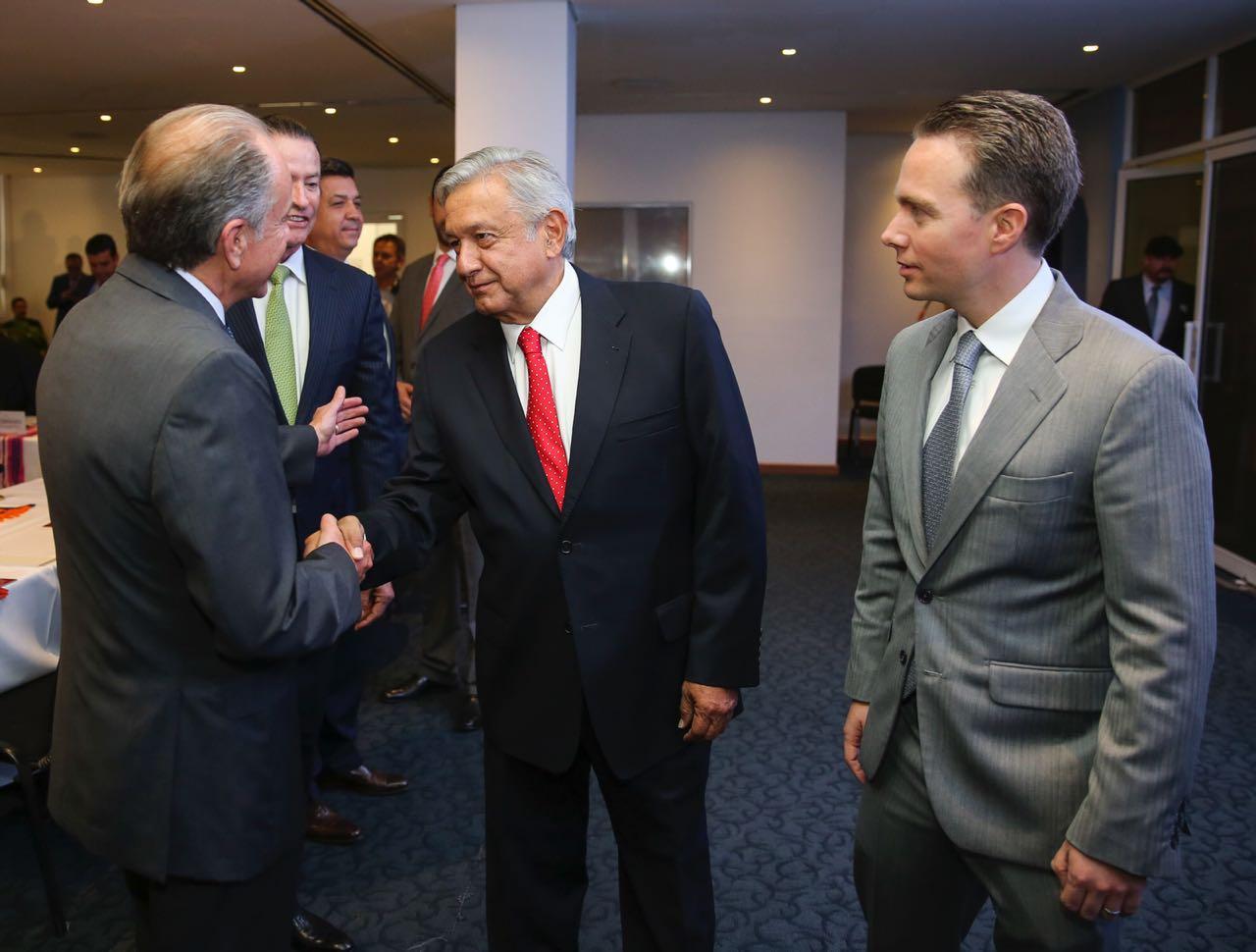 AMLO se reúne con gobernadores
