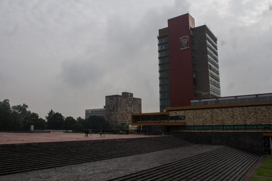 UNAM expulsa a porros