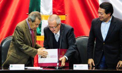 Carlos Urzúa entrega el Paquete Económico 2019 ante la Cámara de Diputados