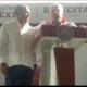 AMLO rescató a Astudillo con votación a mano alzada ante abucheos