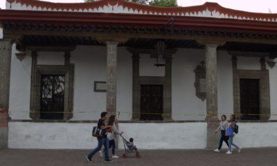 El edificio histórico de la Alcaldía Coyoacán fue pintado y resanado por parte de la administración de Manuel Negrete, hecho que podría desembocar en una intervención legal por el INAH