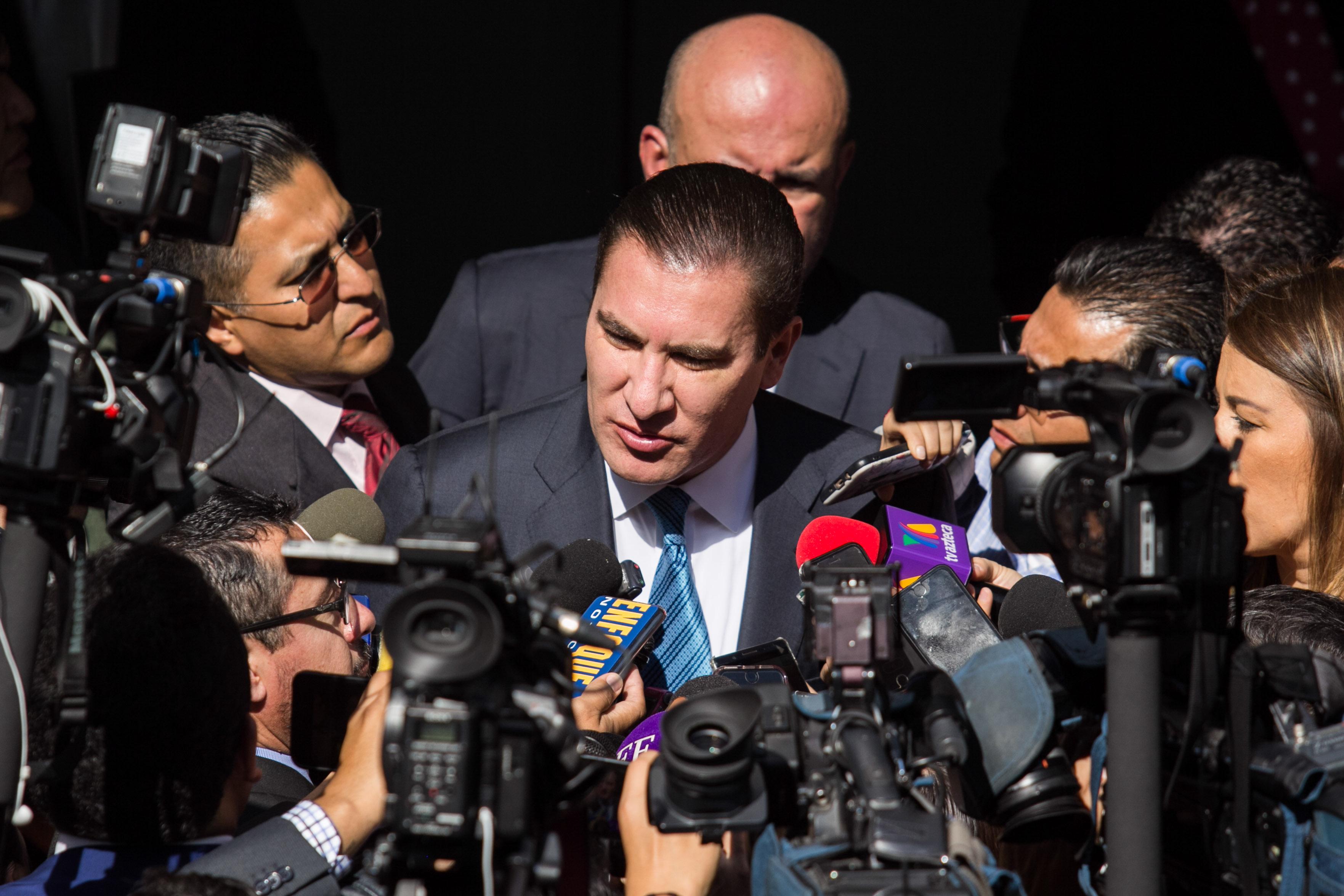 Moreno Valle era una de las cartas fuertes de la oposición rumbo a 2024, su ausencia deja vacíos en distintos partidos y ahonda la crisis en otros como en el PRD