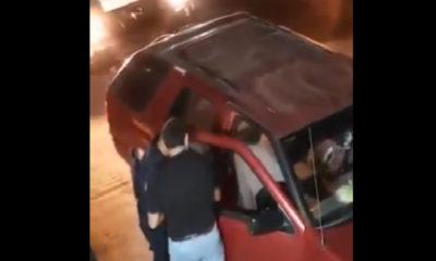 Video: Policías roban mochila a jóvenes en SLP