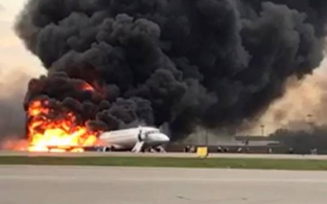 Avión, Rusia, Aeroflot, Incendio, Pasajeros, Muertos, Aterrizaje, Forszoso, Emergencia, Aeropuerto,
