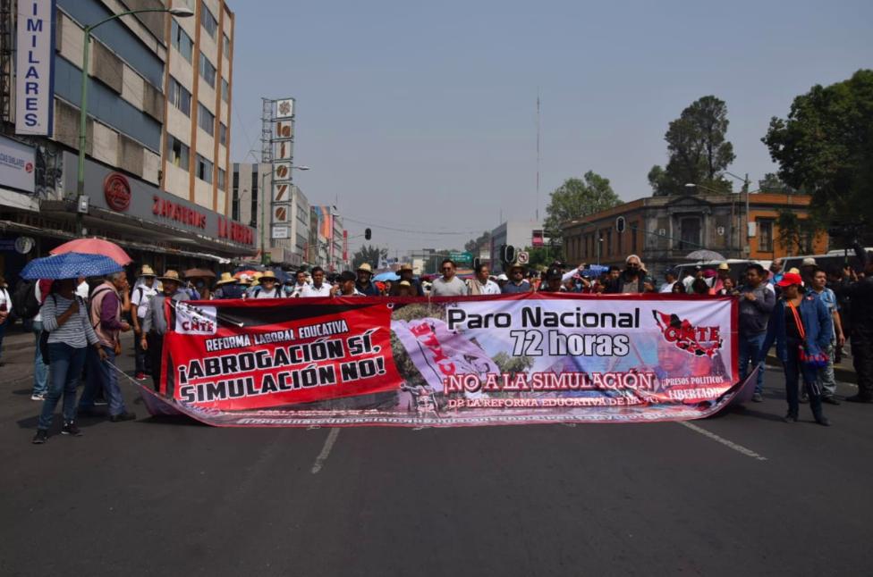 CNTE marcha en día del maestro/ La Hogueraa la(s) 14.01.14