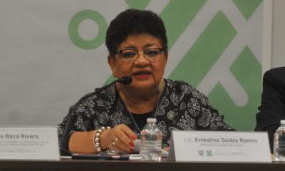 """""""Vean los noticiarios"""", dice Ernestina Godoy a periodistas"""