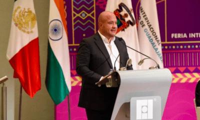 Cuestionan al gobierno de AMLO en FIL de Guadalajara