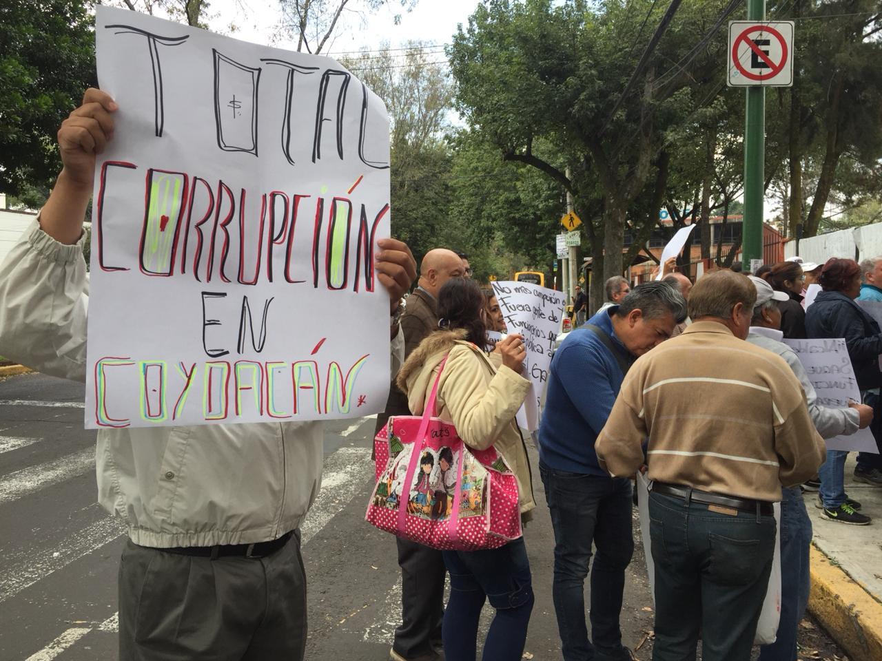 Comerciantes denuncian que alcaldía de Coyoacán vende espacios en vía pública