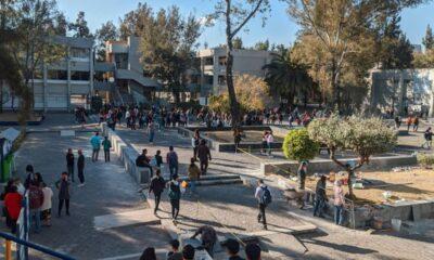 Desalojan FES Aragón por presunta amenaza de bomba