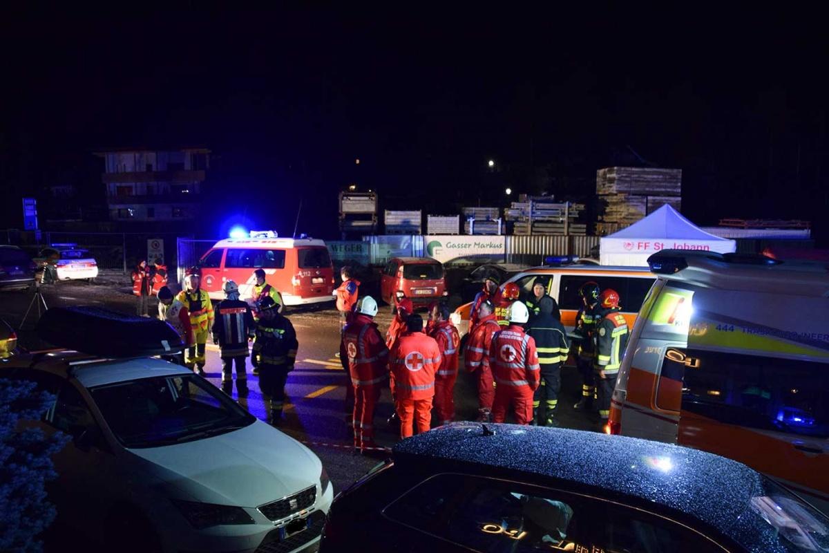 Conductor ebrio atropella a jóvenes en Italia; mueren 6