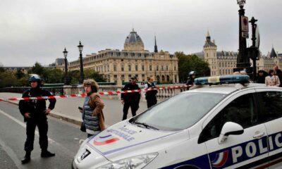 Abaten a atacante en París que apuñaló a tres; uno murió