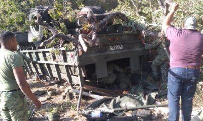 Vuelca camión militar en Oaxaca; 3 muertos
