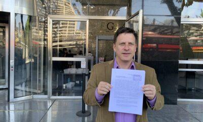 PRD presenta denuncia contra AMLO por concusión en rifa de avión presidencial