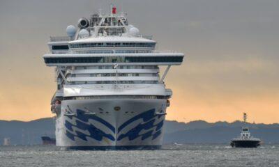 Pasajeros estadounidenses evacuarán crucero en cuarentena