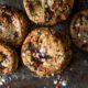 Denuncian en Twitter modus operandi de vendedores de galletas con droga