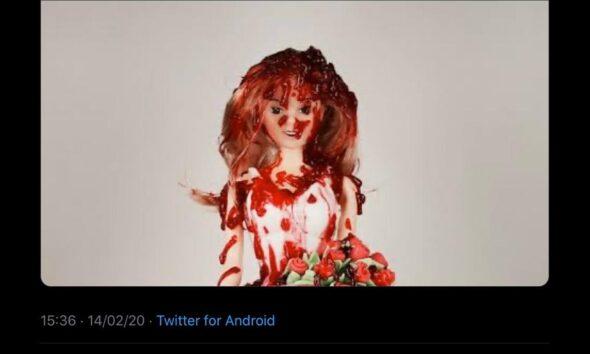 José Merino deja Twitter tras polémica por publicar muñeca ensangrentada