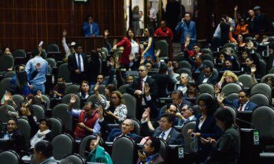 Morena y aliados aprueban reelección legislativa ante críticas de MC