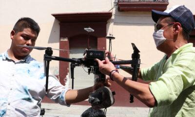 Drones sanitizan lugares públicos en Oaxaca