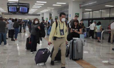 Aerolíneas harán obligatorio uso de cubrebocas durante los vuelos