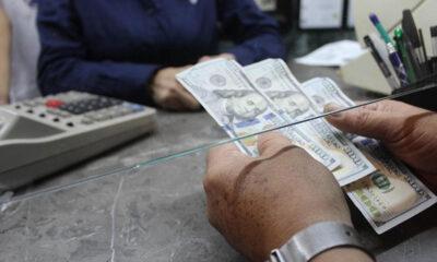 Remesas cayeron 28.59% en abril, reporta Banxico